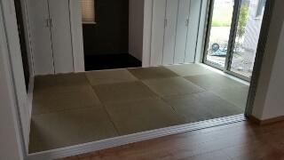 縁なし畳:6畳間(目積表:半畳の市松敷き)