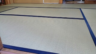 琉球表の縁付き畳